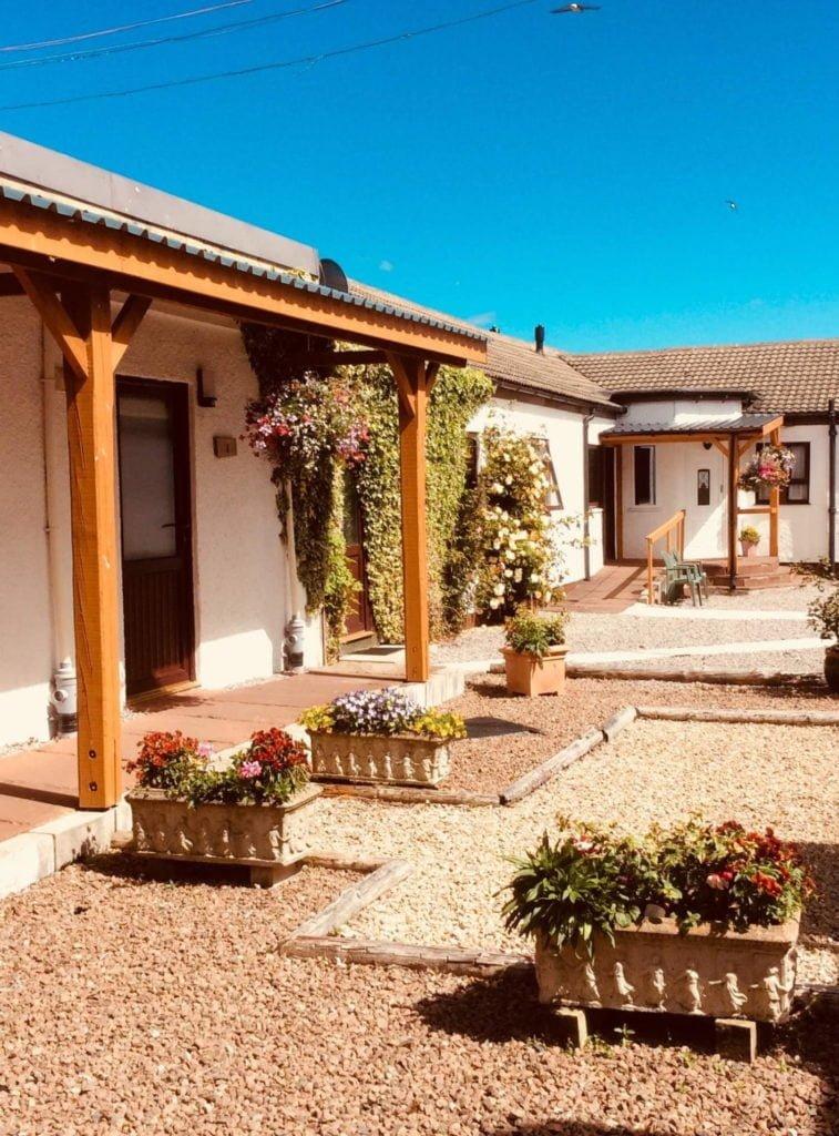 Aultguish Inn Garve Ullapool Courtyard